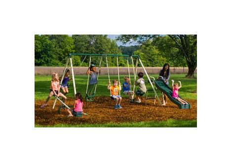 this flexible flyer backyard swingin 39 fun metal swing set retails for